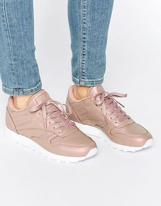 Buy Reebok Classic Leather Trainers In Rose Gold Pearl at ASOS. With free delivery and return options (Ts&Cs apply), online shopping has never been so easy. Get the latest trends with ASOS now. High Heels Outfit, Heels Outfits, Stan Smith Sneakers, Oxford Shoes Heels, New Shoes, Women's Shoes, Leather Trainers, Leather Sneakers, Shoes