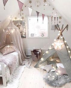 Wishing everyone a magical evening/day. This spectacular room belongs to @villaskogshuset  Good night lovelies xx