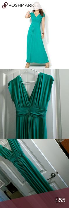 """Iman Global Chic Maxi green small-short Girgeous! New with tags- purchased last season but never wore.  95% rayon, 5% spandex.  Very flattering.  Measures 54.5 inches long.  I sm 5'3.5"""" and length is good with low heels. Iman Dresses Maxi"""
