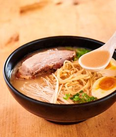 Tonkotsu ramen is the king of Japenese soups for a reason. Deeply flavourful broth is in perfect balance with the pork and those wonderful ramen noodles. Ramen Broth, Pork Broth, Pork Soup, Ramen Soup, Ramen Noodles, Noodle Soups, Ramen Recipes, Asian Recipes, Healthy Recipes