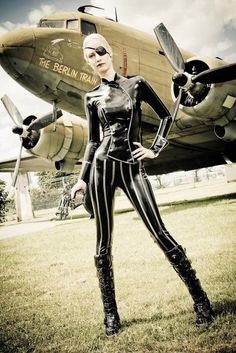 Luca - Misc Sucker Punch cosplay ☮k☮ Jamie Chung, Pin Up, Rockabilly, Gothic Mode, Sucker Punch, Latex Fashion, Dieselpunk, Up Girl, Fashion Outfits