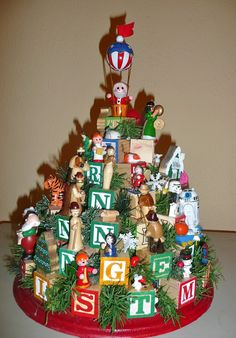 Home Where Story Begins: Family Heirloom Childrenu0027s Block Christmas Tree  DIY Craft Project