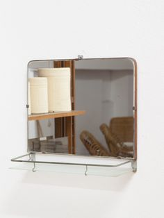 specchio da bagno con ripiano in vetro
