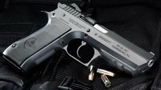 There's quite a lot to choose from for the best handguns in the market. Even conceal carry guns these days are equally reliable and sure to kick ass. | https://guncarrier.com/best-handguns/