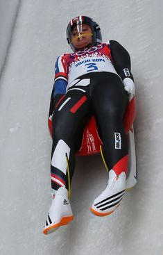 Kate Hansen Photos - Kate Hansen of the United States makes a run during the Women's Luge Singles on Day 3 of the Sochi 2014 Winter Olympics at Sliding Center Sanki on February 2014 in Sochi, Russia. Youth Olympic Games, Olympic Sports, Luge, Kate Hansen, Winter Olympics 2014, Bobsleigh, Skin Tight, Winter Sports, Sport Girl