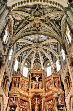 Capilla Mayor de la catedral de Tarazona Religious Architecture, Gothic Architecture, Church Interior, Gothic Art, Kirchen, Dom, Iglesias, Barcelona Cathedral, Spain
