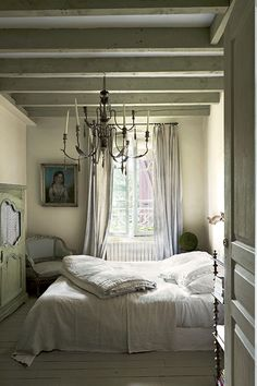 new ideas bedroom paint warm colors farrow ball Farrow Ball, Bedroom Colors, Bedroom Decor, Bedroom Ideas, Bedroom Inspiration, Interior And Exterior, Interior Design, Exterior Paint, Modern Bedrooms