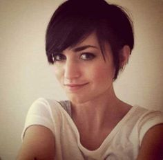 New Pixie Cuts with Long Bangs | http://www.short-hairstyles.co/new-pixie-cuts-with-long-bangs.html