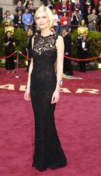 27c1b88a8eb Kirsten Dunst in Chanel Haute Couture