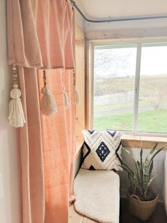 Why buy curtains when you can DIY drop cloth curtains easily and for very litle money. Drop cloths make great curtains and can be made to fit any style. Modern Farmhouse Style, Farmhouse Decor, Farmhouse Style Curtains, Diy Bay Window Curtains, Drop Cloth Curtains Outdoor, Curtains From Drop Cloths, Diy Curtain Rods, Shabby Chic Desk, Boho Home