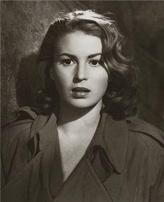 Silvana Mangano Italian Actress, Old Actress, Classic Actresses, Actors & Actresses, Music Painting, Claudia Cardinale, Hollywood Actor, Hollywood Divas, Italian Beauty
