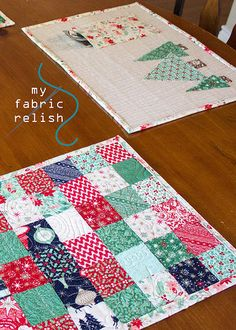 my fabric relish: Christmas Reversible Patchwork Pocket Placemats Tu...