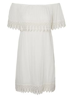 Get a chic festival look with this off shoulder top from VERO MODA.