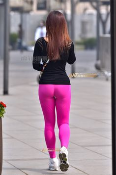 Yoga Pants Girls, Girls In Leggings, Cool Tights, Best Jeans For Women, Sweet Jeans, Womens Workout Outfits, Sexy Asian Girls, Leggings Fashion, Sexy Outfits