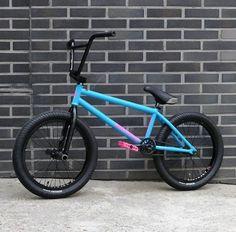 Gt Bikes, Cool Bikes, Bmx Bicycle, Cycling Bikes, Bike Ride Quotes, Bike Gang, Dirt Jumper, Gt Bmx, Bmx Street