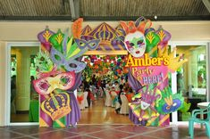 Amber Soleil's Mardi Gras Inspired Party – Entrance Amber Soleil's Mardi Gras Inspired Party – Entrance Masquerade Party Decorations, Masquerade Ball Party, Mardi Gras Centerpieces, Mardi Gras Decorations, Carnival Themed Party, Carnival Themes, Party Themes, Rio Carnival, 1st Birthdays