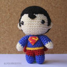 Here he is, the man of steel has arrived! As promised on Wednesday, here's the first free pattern of the year: Superman! This pattern is pretty much the same as Batman but the major differenc… Crochet Amigurumi Free Patterns, Crochet Dolls, Crochet Yarn, Crotchet, Superman Crochet, Kawaii Crochet, Crafts To Make And Sell, Felt Fabric, Stuffed Toys Patterns