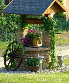 4 Creative Ideas: Easy Backyard Garden How To Grow backyard garden design couple.Backyard Garden Planters Old Tires. Cottage Garden Design, Cottage Garden Plants, Diy Garden Decor, Garden Art, Planter Garden, Cottage Gardens, Fairy Gardens, Wishing Well Garden, Farmhouse Garden