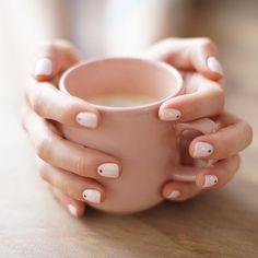 La Manucure de l'amour ... Merci @simonebeautyapp je suis complètement addict ! Merci Yoko ! #manicure #smartapp #crush