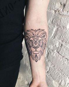 forearm geometic lion tattoo iç kol geometrik aslan dövmesi