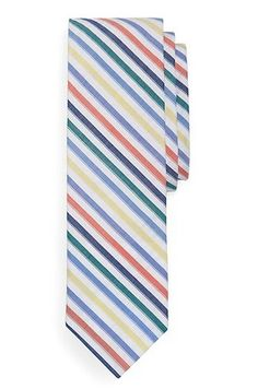Seersucker ties for spring and summer weddings! Loving the striped option from Brooks Brothers. #menswear #ties #bowties #summerweddings #springweddings #fashion #weddingfashion #seersucker