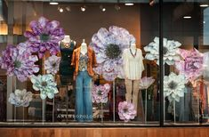 For two years, i had the privilege to design store displays for anthropolog Visual Merchandising Displays, Visual Display, Display Design, Store Design, Giant Flowers, Paper Flowers, Anthropologie Display, Store Window Displays, Retail Displays