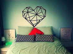 Tape wall art Black Heart geometria diy