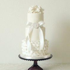 Almie's Bakery - Bruidstaart Groningen - Head over heels in ♥ with cake...