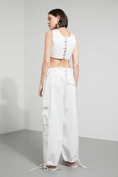 Model front image of Weekday halycon top in white