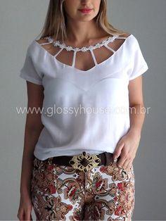 Blusa-branca-calca-estampada-1