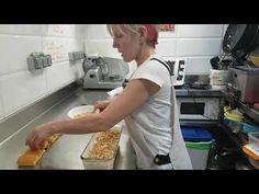 Tarta de cuajada y nueces increíblemente fácil Sabor artesano - YouTube Flan, Mousse, Queso, Breakfast, Youtube, Nutella Cookies, No Sugar Desserts, Apple Cakes, Almonds