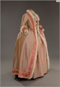 Open Robe peach tafetta, silk ribbon and fur edging. 1770's - 1780's.