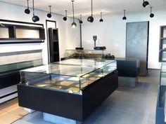 Marco Muré_Dolci e Gelati Gelato, Kitchen Island, Retail, Interiors, Home Decor, Island Kitchen, Ice Cream, Decoration Home, Room Decor
