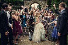 LOVE THIS! I want a confetti shot like this ....confetti us kissing surrounded by all our family and friends PERFECTION