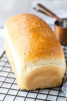 This White Bread recipe is a classic you'll want to keep on hand. So light, fluffy and incredibly soft. Everyone will think it came right from the bakery! Sandwich Bread Recipes, Bread Machine Recipes, Easy Bread Recipes, Loaf Recipes, Banana Bread Recipes, Cooking Recipes, Sliced Bread Recipes, White Bread Recipes, Soft Bread Recipe