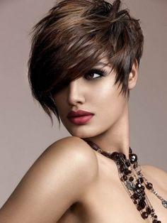 Trendy asymmetrical hairstyles for short hair