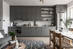 Beautiful living kitchen in grey