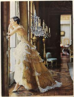 Avondjurk Christian Dior, uit Vogue 1950.