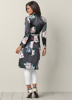 Shop women's Floral Long Jacket in Black Multi from VENUS clothing online or Discover jackets & coats in trendy styles at great prices today. Sexy Outfits, Chic Outfits, Dress Outfits, Dress Up, Stylish Dresses For Girls, Girls Dresses, Venus Clothing, Fashion Pants, Fashion Outfits