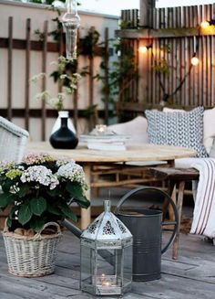 Uno de los placeres del buen tiempo es poder comer al aire libre, te mostramos algunos ambientes que vas a querer tener en casa.