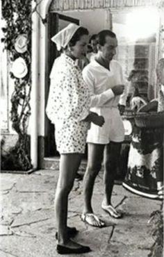 Il marchese Emilio Pucci nella sua boutique di Capri