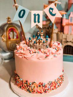 Disneyland Birthday, Disney Birthday, Girl First Birthday, First Birthday Parties, Birthday Party Themes, Birthday Ideas, Birthday Cake, Cupcakes, Cupcake Cakes