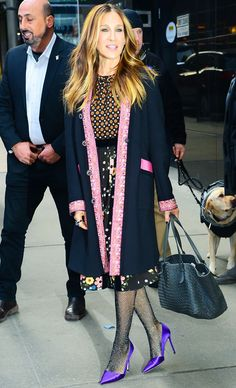 Sartorially speaking, Fearne Cotton and Sarah Jessica Parker are pretty far apart. Yes, they both like to experiment, but where the former is more rock 'n' roll, the latter is very New York. However, this week both women have adopted a penchant for wearing the same tights-and-shoes...