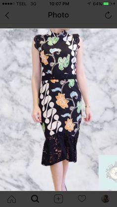 Elegant Dresses, Nice Dresses, Casual Dresses, Fashion Dresses, Blouse Batik, Batik Dress, Traditional Fashion, Traditional Dresses, Dress Batik Kombinasi