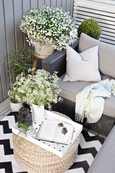 28 Small Balcony Design Ideas Small spaces can be fabulous as youll see in these tiny balcony garden spots with moods that range from city sophistication to pure Zen. The post 28 Small Balcony Design Ideas appeared first on Garden Diy. Small Balcony Design, Tiny Balcony, Small Balcony Decor, Small Outdoor Spaces, Balcony Ideas, Small Spaces, Outdoor Balcony, Small Balconies, Patio Ideas