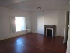 Place de la MADELEINE - Appartement DUPLEX de type 3 de 65m² comprenant en RDC: un séjour salle à manger, une cuisine, une chambre. Au 1er étage: salon 26m² ,salle de bains de 6.83m² avec WC. Cave de 14m² Appartement très bien situé. Proche de toutes commodités.