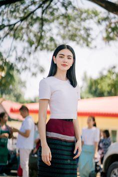 Pin on ❤Davika Hoorne❤ Traditional Dresses Designs, Traditional Thai Clothing, Myanmar Traditional Dress, Myanmar Dress Design, Singer Fashion, Thai Dress, Tennis Fashion, Beautiful Asian Girls, Blouse Designs
