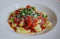 Sizilianische Tomatensoße, ein raffiniertes Rezept aus der Kategorie Saucen. Bewertungen: 373. Durchschnitt: Ø 4,6.