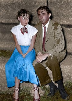 Audrey Hepburn and Gregory Peck in between scenes during the filming of Roman Holiday 1953 Audrey Hepburn Roman Holiday, Audrey Hepburn Movies, Audrey Hepburn Born, Gregory Peck, Audrey Hepburn Wallpaper, Golden Age Of Hollywood, Vintage Hollywood, Classic Hollywood, British Actresses
