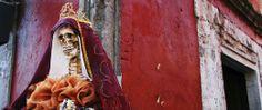 Santa Muerte, une sainte mexicaine pas très catholique | Les Observateurs de FRANCE 24